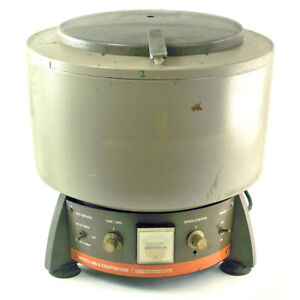 International Equipment Centrifuge with 815 Rotor Model HN-S