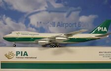 Hogan Wings 1:200 Boeing 747-200 PIA Pakistan AP- BAT LI0113+Herpa Wings Katalog