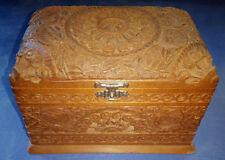 VINTAGE ANTIQUE ORNATE CARVED DESIGN WOOD CIGARETTE BOX STORAGE CASE