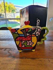 Romero BRITTO Apple Teapot