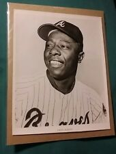 HANK AARON VINTAGE B&W 8X10 TEAM ISSUE PHOTO