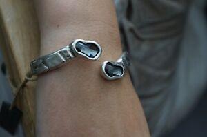 NWT Uno De 50 Grey Elements Crystal CROCO Embos Hinged Silver Statement Bracelet