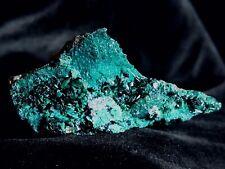 Funkelnde Atacamit Kristalle auf Chrysokoll