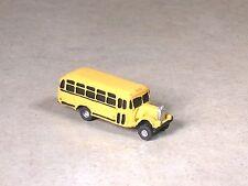 N Scale 1939 Yellow Mack School Bus