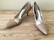 Vintage Shoes 8 1/2 Aaaa Life Stride leather beige bows pointy 1960's Wedding