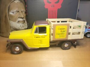 Golden Rule Lumber Center 1953Jeep Truck 1:25 Diecast Bank No Key Used