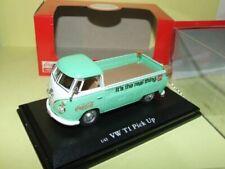 Pick-ups miniatures verts VW