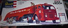Revell White Gas Truck MOBIL-GAS Model Car Mountain FS 1/48