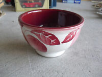 "Vintage Art Pottery Italy Marked Apple Leaves Bowl 3"" Tall"