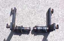 John Deere(71-068) 316 318 322 330 332 - Lift Pivots