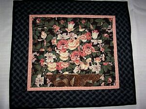 """Handmade Floral Pink Roses Wall Hanging Mini Quilt 20.5"""" x 18.5"""""""