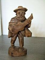Alte Holzfigur handgeschnitzt Wanderer mit Gitarre 9577