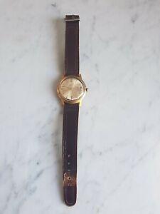 Ancienne MONTRE bracelet mécanique POLJOT 17 jewels made in USSR avec dateur