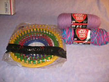 4 Graduated Knifty Knitter Provo Craft Round Looms W 2 Sks Ombre Yarn Manuals