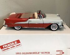 New ListingDanbury Mint 1955 Oldsmobile Super Eight-eight Convertable 1:24 Scale with Box