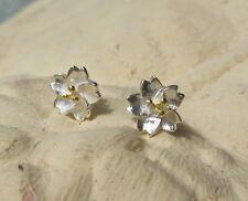 Ohrstecker Ohrring Blume aus Sterling Silber 925 mit goldfarbenen Staubblättern