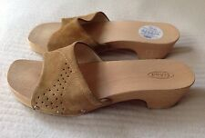 WOMEN'S TAN SUEDE WOODEN SOLED SCHOLL PAMPA SANDALS Size 5/38