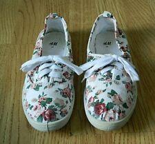 H&M Ladies Casual Canvas Pumps White Floral Size 5 / 38