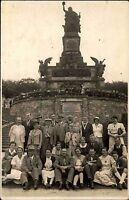 Rüdesheim Hessen Rheingau AK ~1930/40 Niederwald Denkmal Gruppenfoto Menschen