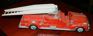VINTAGE Hubley DIE-CAST 1930's RED Packard Fire Chief 1:42 Scale