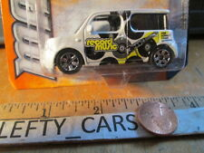 MATCHBOX White RECORD MUSIC IMAGE NISSAN CUBE  MBX CITY scale 1/64 on long Card