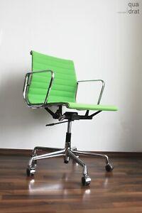 Eames Vitra Alu Chair EA117 Hopsak wiesengruen Chrom