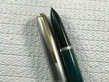 PARKER 21 DELUXE FOUNTAIN PEN - GREEN & SS FLUTED CAP with GOLD PLATED CLIP