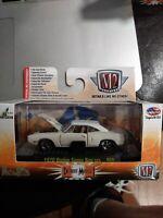 M2 Detroit Muscle 1970 Dodge Super Bee 383 R28 WHITE