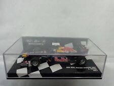 410 110001 MINICHAMPS 1/43 RED BULL RACING RENAULT RB7 SEBASTIAN VETTEL 2011 CAR
