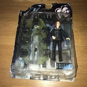 McFarlane Toys X-Files Series 1 - Agent Dana Scully with Cryopod Action Figure