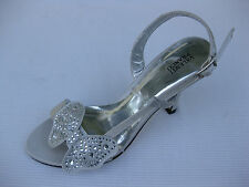 Valenti Franco Womens Shoes $59 Adora Butterfly Silver Satin Sandal 6 M