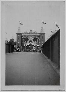 OLD PHOTO CANADIAN NATIONAL EXHIBITION 1930S