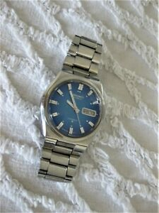 Vntg SEIKO 17 jewels Automatic 6106-7589 serial 330046 Blue dial Faceted crystal