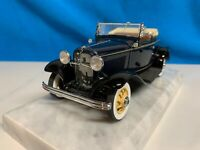 Danbury Mint 1932 Ford Deluxe V8 Roadster Blue 1/24 scale MIB