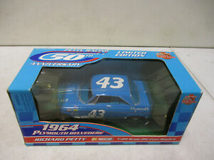 1999 Racing Champions Petty Racing 50th Anniversary 1964 Plymouth Belvedere 1/24