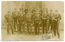 Soldats,militaires du 160e RI.Fusils, baïonnettes . Carte-photo . Rifles, bayone