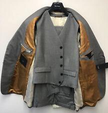 Completi e abiti sartoriali da uomo in lana grigio
