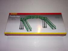 Hornby R076 Footbridge
