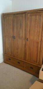 Heavy Rustic Oak Tripple Wardrobe