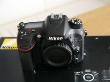Nikon  D7100 24.1 MP SLR-Digitalkamera Sehr schöner Zustand
