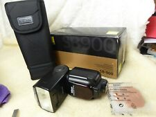 Nikon SB-900 Speedlight with Case, accessories + new batteries  fully working r1