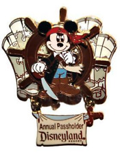 Disney Pin 46467 DLR Pirates of the Caribbean Legend of the Golden Pins Mickey
