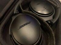 Bose QuietComfort 35 Series I Noise Cancelling Wireless Headphones QC35 (Black)