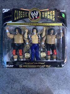 WWE Classic Superstars 3 Pack  Cap. Lou Albano & The Wild Somoans Afa, Sika