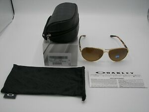 NIB Authentic Oakley Feedback Polished Gold/Brown Gradient Polarized