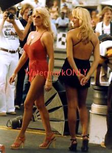 """Linda Vaughn """"Miss Hurst"""" & Eloise Coulter """"LEGGY"""" PHOTO! #(45b)"""