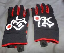 MENS OAKLEY GLOVES LARGE BLACK AND RED