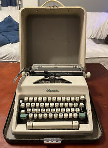 Vtg 1964 Olympia Model SM9 Portable Manual Typewriter W/ Case Working AS IS