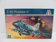 eso-10994Italeri 170 1:72 F-4S Phantom II Bausatz geöffnet,