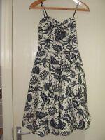 POP BOUTIQUE Black/White Sleeveless Dress Leaf Design Size 8-10 1950s Style